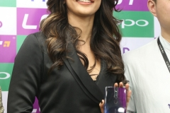 Pooja-Hegde-Launches-Oppo- (14)