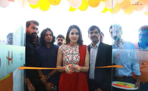 Lavanya Tripathi Launched Happi Mobiles Store At Siddipet – Pics