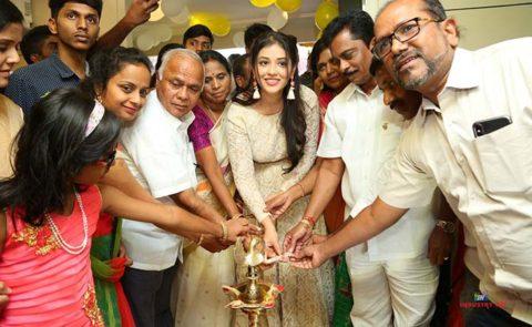 Priyanka Jhawalkar Opens 'Be You' Saloon At Nalgonda – Pics