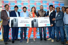 Pooja-Hegde-launches-Samsung-Galaxy-s20-1