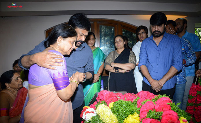Celebs Pay Homage to Srikath Father PICS