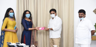 Dr. Rajasekhar's daughters donate Rs 2 lakh to Telangana relief fund