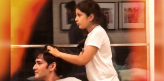 Mahesh Gets Head Massage From Sitara Papa