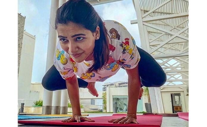Samantha Stunning Yoga Pose